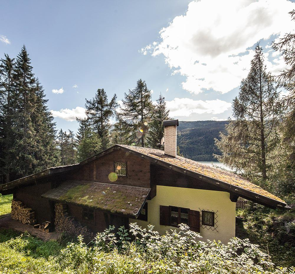 Chalet with unique views over the Reschensee lake